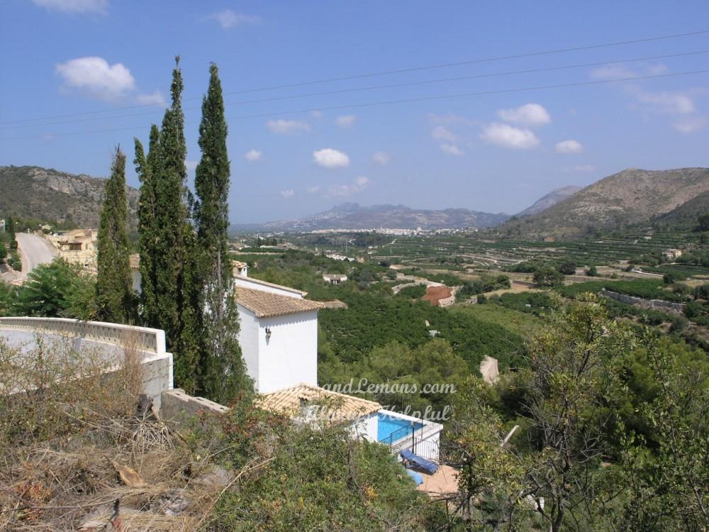 4 bed Villa For Sale in Alicante,