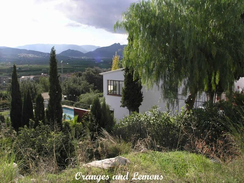 3 bed Villa For Sale in Alicante,