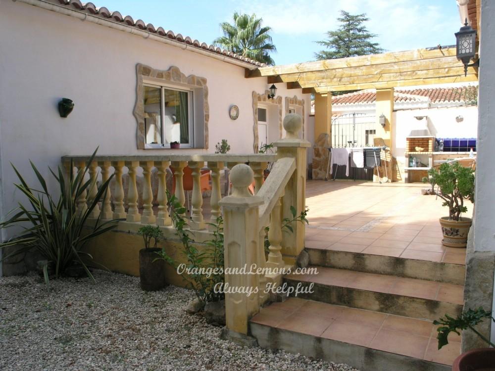 2 bed Villa For Sale in Gandia,