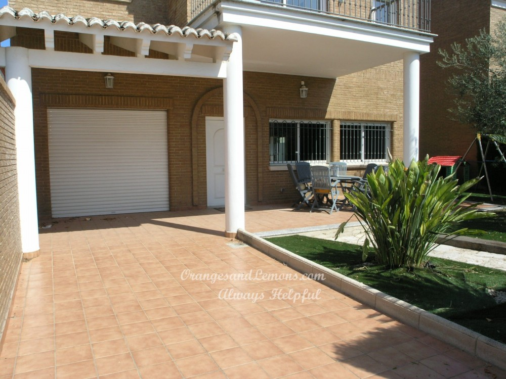 4 bed Villa For Sale in Valencia,  - 2
