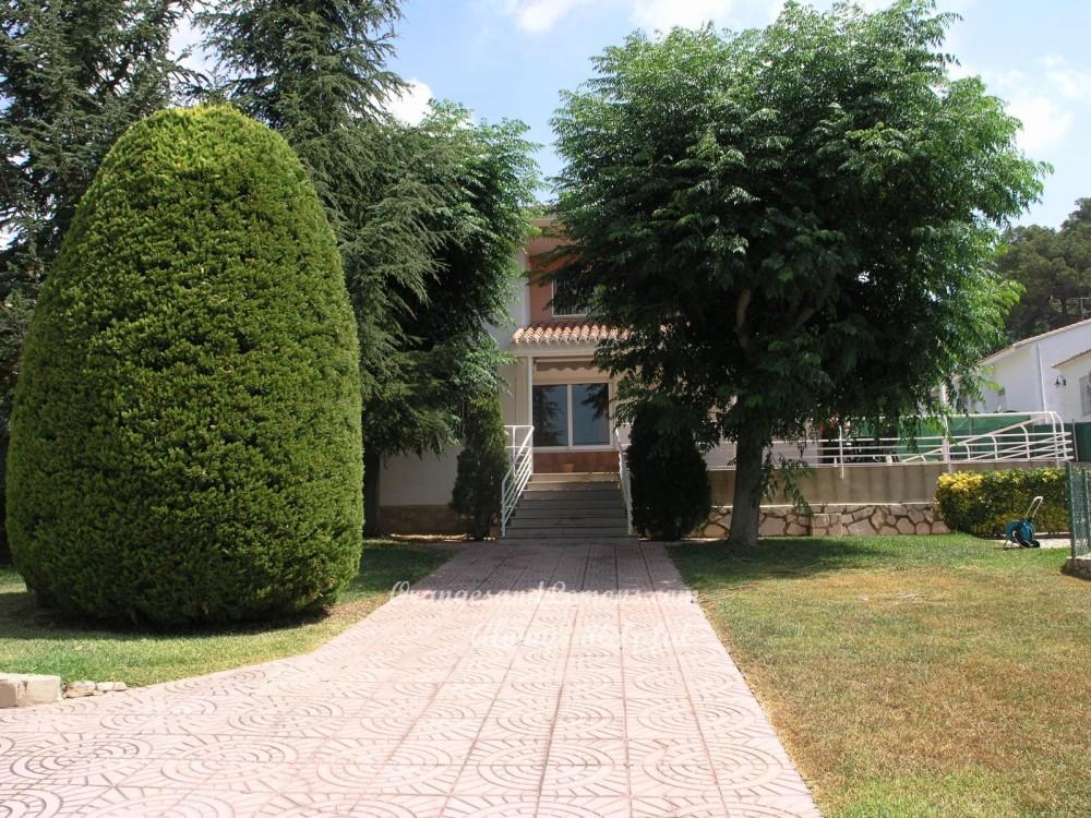 6 bed Villa For Sale in Valencia,  - 2