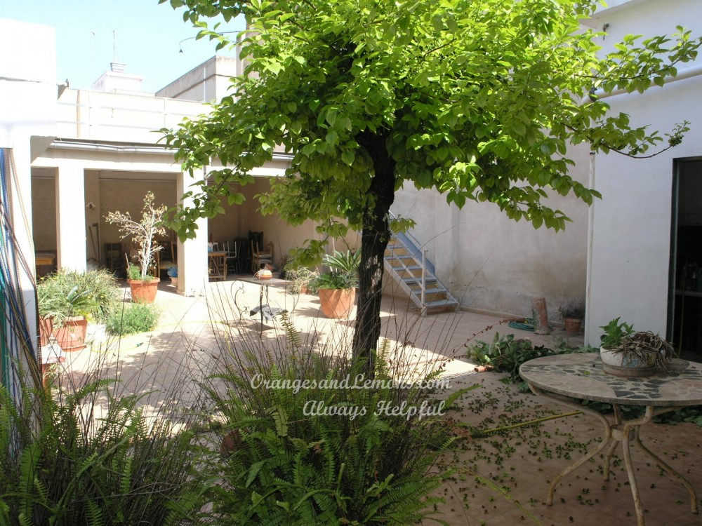 7 bed Village House For Sale in Valencia,  - 3