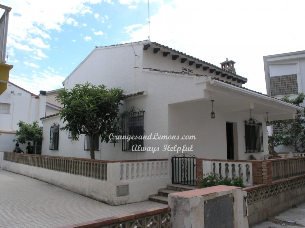 3 bed Villa For Sale in Valencia,