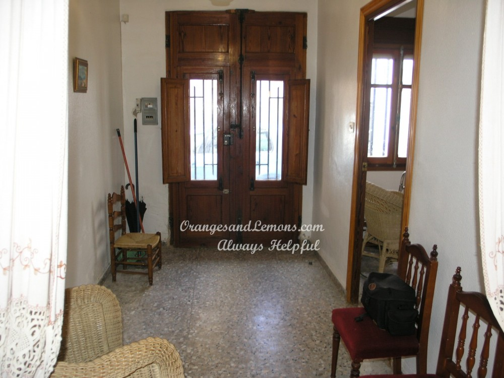7 bed Village House For Sale in Valencia,  - 2