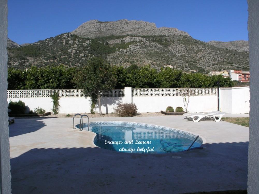 5 bed Villa For Sale in Alicante,  - 2