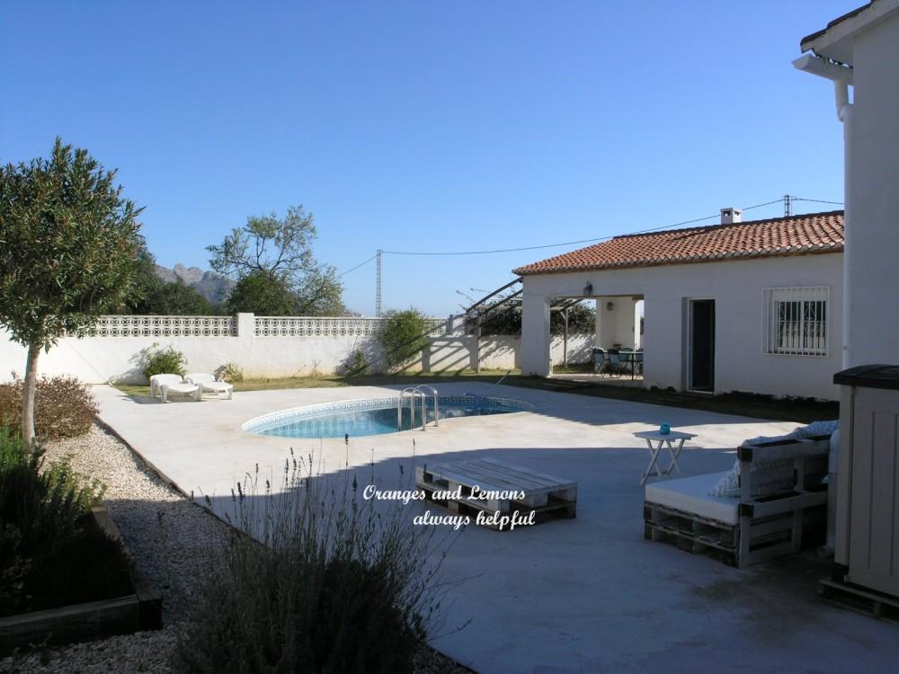 5 bed Villa For Sale in Alicante,  - 3