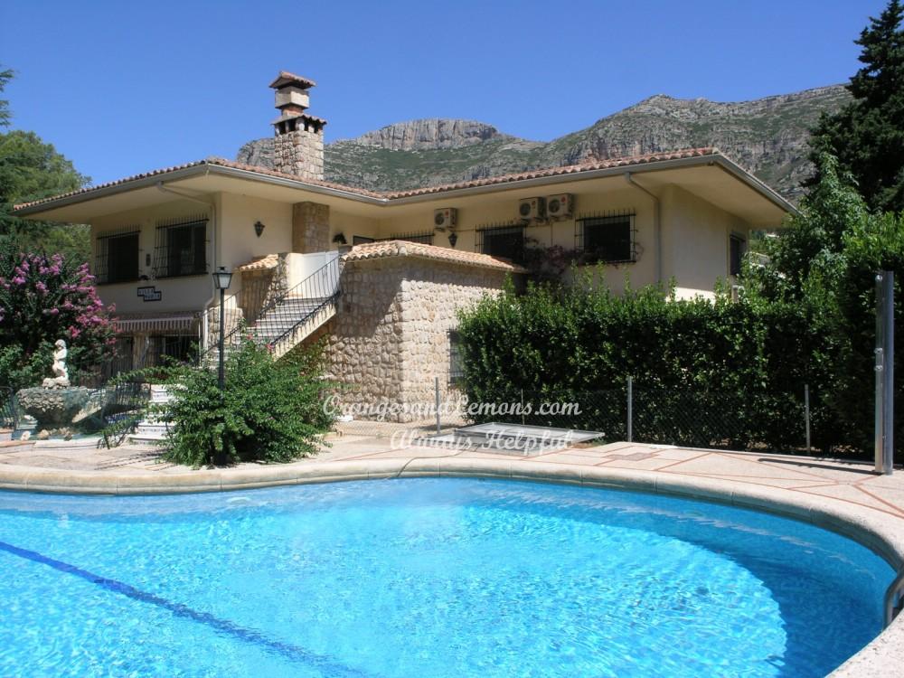 7 bed Villa For Sale in Valencia,