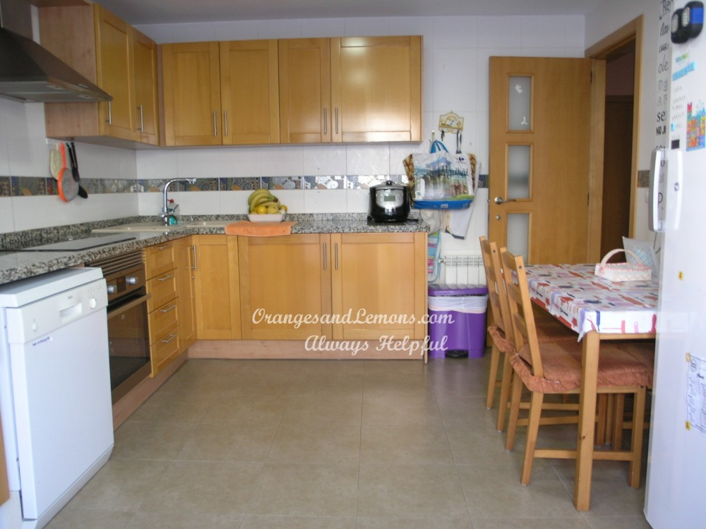 3 bed Adosado / Town House For Sale in Valencia,  - 2