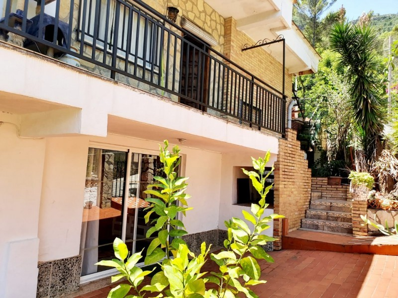 5 bed Villa For Sale in Valencia,  - 3