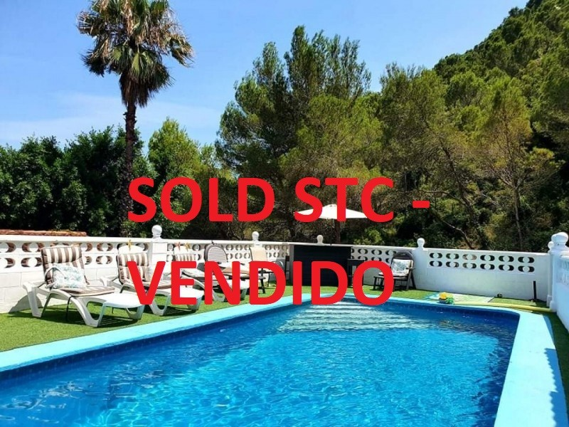 5 bed Villa For Sale in Valencia,