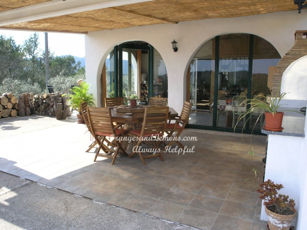 3 bed Villa For Sale in Valencia,  - 2