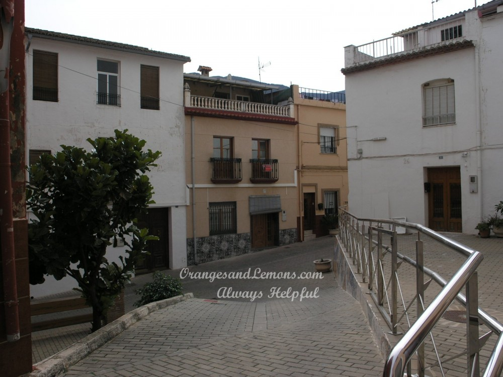 4 bed Village House For Sale in Valencia,
